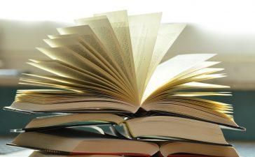 otvorené knihy
